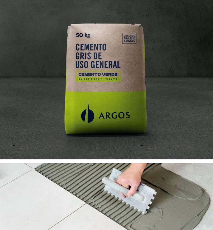 cemento Argos de usos general mientras es usado en un piso